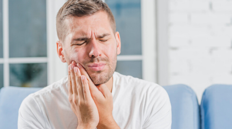 How to deal with a dental emergency?