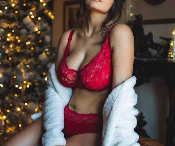 Aerocity Escorts made Your Lazy Moments is a sexy moment
