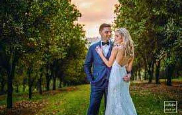 Hire Professional Wedding Photographer in Gold Coast