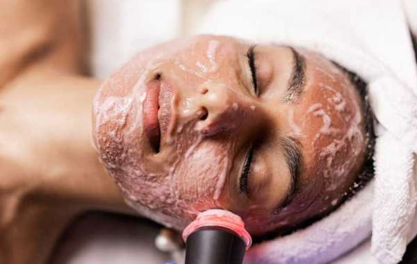 Choose The Right Spa For Teenage Skin Care